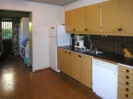 Kjøkkenet før.