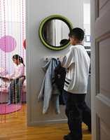 Velkommen til oss! Før delte barna rommet, men nå er det delt på midten og Erika og Sebastian har hver sin private sone.