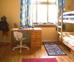 Før: Rommet var stort, 17,5 kvm, men å dele rom var ikke lenger noen god løsning. Ingen i familien ville flytte. Hvordan kunne ett rom bli til to?