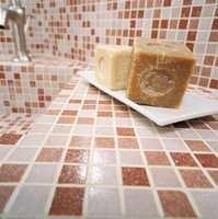 Forvirringen kan bli total når du først har bestemt seg for mosaikkfliser og ser mosaikkfliser i keramikk, glass og til og med metall. De er firkantet 18x18 mm eller runde knapper med diameter på 17 eller 19 med mer, og så finnes det
