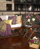 Nyoljet og vakkert treverk på balkongen