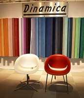 Intag fører også møbelstoffer fra italienske Dinamica.