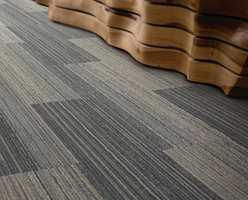 Teppefliser i plankeformat byr på uante og spennende muligheter hva legging angår.