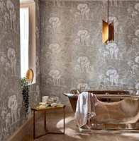 <b>TON-I-TON:</b> Elefanter på veggen, marmor på gulvet og ruter på håndkleet samt mye gjenskinn i blankt metall kunne bli urolig, men ikke her. Tapet fra Harlequin/Tapethuset.