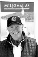 <b>TRADISJONELL</b>: Johnny Spangen driver butikken Miljømal, som fører naturmalinger og linoljemalinger, samt tapeter og andre produkter for nye og gamle hus. (Foto: Robert Walmann/ifi.no)