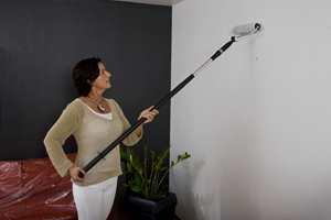 Med forlengerskaft sparer du både skuldre og gir veggen en jevnere finish.