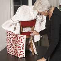 På denne stolen kunne også foldene festes i det originale stoltrekket uten at det tok skade.