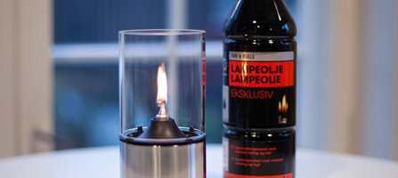 De fleste av oss velger parafin som energikilde først og fremst for å skape ekstra trivsel og hygge. Men visste du at hva du tenner opp med har stor betydning for utvikling av lukt, sot og røyk?