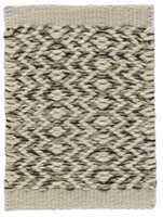 Ingrid er et norrønt navn og betyr den vakre. Teppet Ingrid er inspirert av skandinavisk strikkemønster.