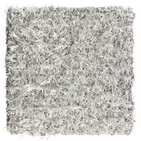 Monroe: Nye farger i kolleksjonen Grace: Glamour på gulvet med sølvskimrende teppe.