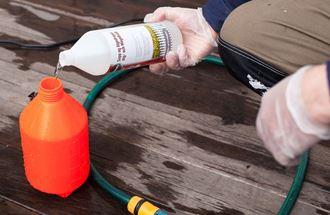 Kjemikalier som benyttes på terrassegulvet fungerer best i temperaturer rundt 20 grader.