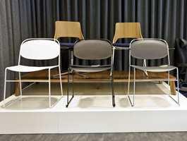 Kontoret er også showroom, men her finnes kun én utstilling med møbler.