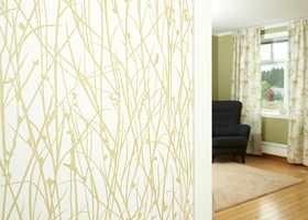 Enkel fornyelse av skvettsonen Veggplater tilpasset halvmeteren mellom benkeskap og overskap er en enkel måte å fornye kjøkkenet på. Platene monteres direkte på eksisterende vegg eller på stenderverket, og beskytter veggen mot søl, flekker og varme. Platene finnes i mange ulike design; om resten av rommet er nøytralt fargesatt, kan skvettsonen være et ypperlig område for å inkludere litt farge i rommet!