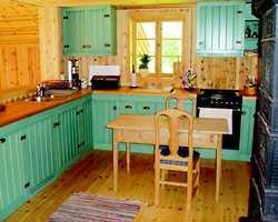 Før oppsussingen ble kjøkkenet opplevd som trangt og mørkt.