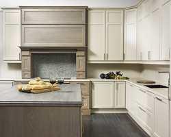 En kombinasjon av to ulike kjøkkentyper kan bli spennende. Dette er Timian og Koriander fra Huseby.