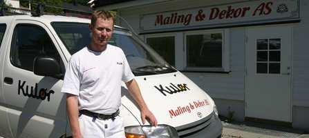 - Vi forsøker å bli flinkere til å bruke kontrakter, sier malermester Jens-Erik Solberg.