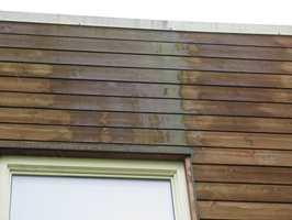 <b>TAKUTSPRING: </b>Når taket stikker ut 20-30 centimeter eller mer utenfor fasaden, forhindrer det at regnvann renner langs veggen og fukter treverket. (Foto: Mycoteam)