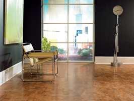 Kork er et naturlig materiale, som gir varme og komfortable gulv. Foto: Sagakork