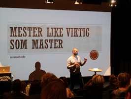 <b>MESTER:</b> TV-profilen Marco Elsafadi mener foreldre og lærer må bli flinkere til å snakke om alt det positive med yrkesfagene. – I Norge er et mesterbrev like viktig som en master, sier han.