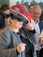 <b>SOLBERGS RÅD:</b> − Mitt råd til malerbransjen er å vise bredden i faget. Vis hvor gøy dere har det på jobb. Husk at malerfaget er viktig for fremtiden i Norge, sier statsminister Erna Solberg.