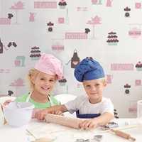 I Storeys sin barnekolleksjon «Little Star» er det mange enkle motiver og mønstre å velge blant. Dette er «Kitchen Pink».