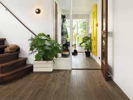 <b>PERFEKT HOS PERGO:</b> Designavdelingen hos laminatgiganten Pergo henter inspirasjon fra naturen og fra trendbildet i samfunnet. – Vi skal alltid lage vakre og robuste gulv, sier global merkevaresjef hos Pergo, Lotta Sundén. (Foto: Pergo)