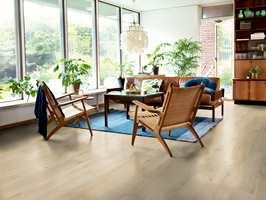 Hvilken retning gulvbordene ligger, har mye å si for hvordan rommet oppleves. Her får du guiden du trenger for å velge rett.
