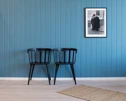 – Vi har flotte veggpaneler  i MDF og furu. De nyeste panelene har også garanti mot kvistgjennomslag og gulning, sier Truls Skaugen.