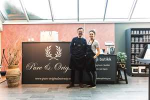 <b>LETT PÅ NETT:</b> Idar Stensvold og Hana Alendar fra Pure & Original etablert et nytt butikk-konsept i et vrimleområdet på kjøpesenter. – Her kan kundene handle når vi ikke er tilstede, sier de.