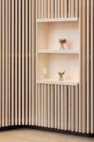 <b>LEVENDE MATERIALE:</b> Trepanel er på full fart tilbake. Trespiler er en vinner på grunn av gode akustiske egenskaper i tillegg til varmen som treet tilfører et moderne interiør. (Foto: Södra)