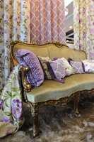 For den som har dilla på lilla er det mye å velge i blant årets tekstiler.