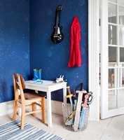 <b>HIMMEL:</b> Hvis rommet til poden skal fornyes, kan kanskje dette tapetet fra Fiona/Flügger friste? (Foto: Flügger/Fiona)