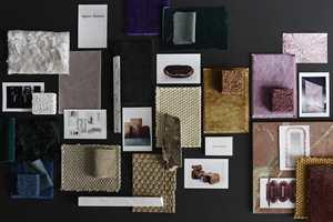 <b>MATERIALKART:</b> Lotta Agaton er ikke opptatt av trender og årets farge. Det viktigste er kvaliteter som holder lenge, og det kan skapes mye nytt og spennende med gode materialer og farger. (Foto: Kristofer Johnsson/Stockholmsmässan)
