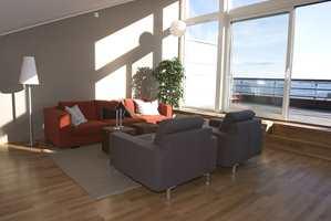 Noen av leilighetene går over to plan. Fra toppetasjen i Captains Cabin, med terrasse på 25 kvm., er det panoramautsikt mot Bygdøy og Oslofjorden.