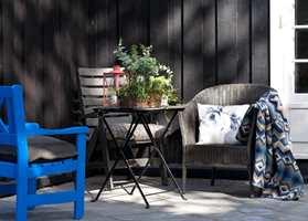 <b>UTELIV:</b> Med malte møbler kan du raskt gi ditt personlige preg til uterommet.