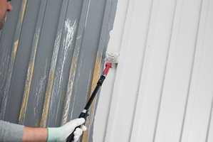 <b>RULL:</b> Med rull, som Jordan Perfect rullesett utendørs, maler du raskt! Bruk en pensel til å gå etter.