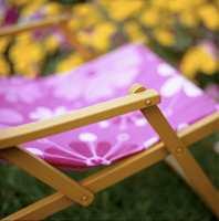 Dør- og vindusmaling er spesielt egnet til høvlet treverk, som i hagemøbler.