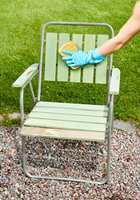 Vask godt med et rengjøringsmiddel beregnet for bruk før maling. Foto: Beckers