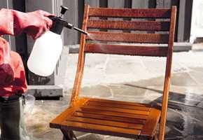 Sett treverket godt inn med kraftvask.