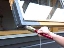 Vinduene på et hus er et utsatt område for vær og vind. Med et malingssystem får du et langvarig og holdbart resultat.