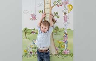 – Hvor stor er du? sier vi stolte foreldre og besteforeldre, og den lille tassen strekker hendene stolt i været. En herlig stund.