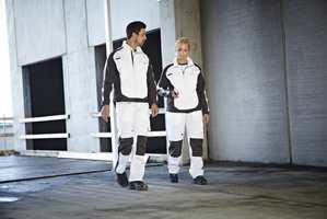 <b>RENT OG PENT:</b> − Malere kler seg i hvitt. Sånn har det alltid vært, sier Chresten Nielsen fra Beckers.