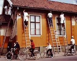 Regn ut hvor mye maling du trenger før du maler. Og tenk på at det er mer enn bare veggene som trenger maling.