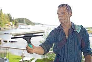 <b>NAL:</b> En god nal er det viktigste verktøyet for vindusvasken. (Foto: Jordan)