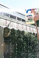 Markisen bør alltid være helt ren og tørr før den rulles inn for vinteren.