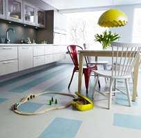 <b>MØNSTER:</b> Et mønstret gulv virker lunere enn ensfarget. (Foto: Forbo Flooring)