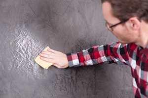 Ble flaten for blank, kan den lett mattes med fint slipepapir.