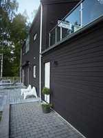 Størst effekt av matt fasademaling blir det med en mørk farge.