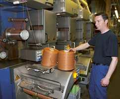 Garnet, polypropylen, kommer ferdig ut av maskinen.