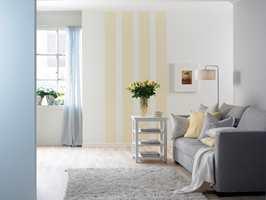 Veggflatene har lette skyggefarger som skaper fin dybde i rommet.